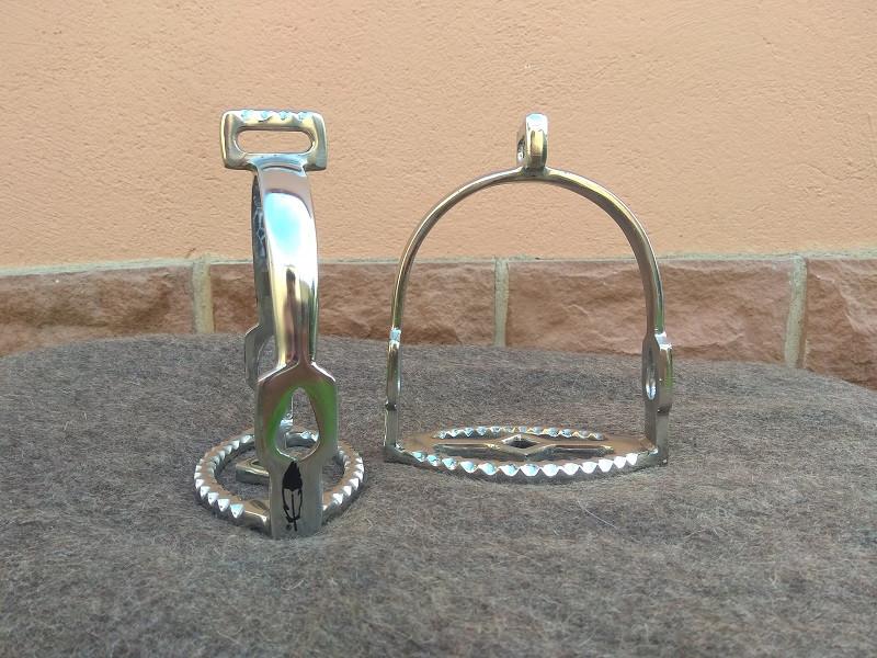 Barocksteigbügel Sevilla von Barefoot 90° gedreht