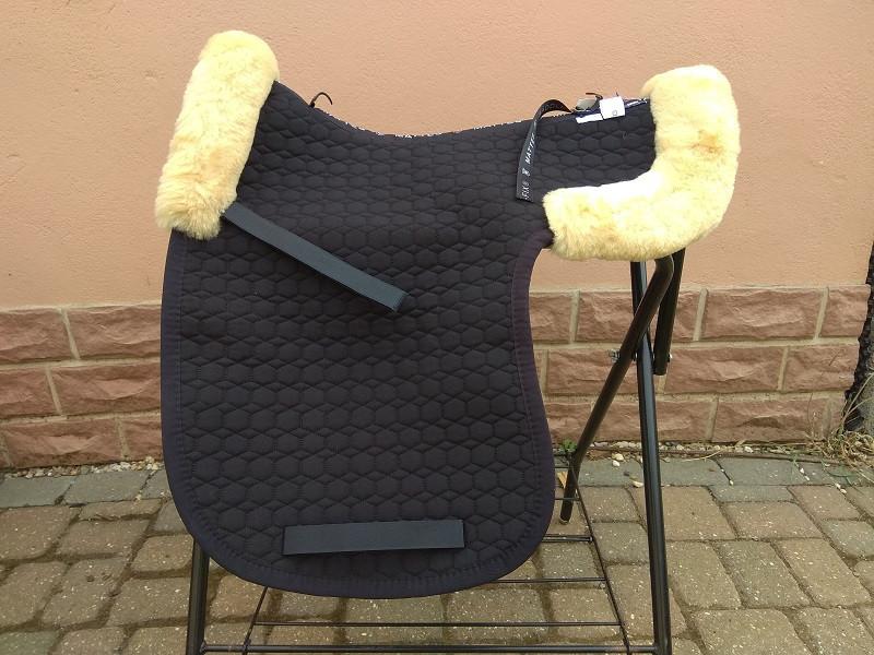 DRESSUR SATTELDECKE mit Lammfellrand vorne und hinten Saddle Fix
